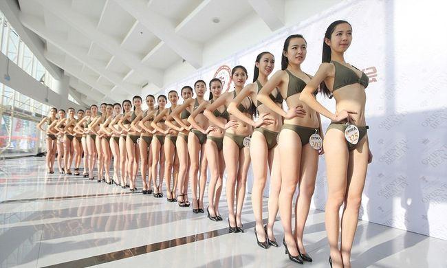 Bikiniben zajlik az állásinterjú egy kínai légitársaságnál