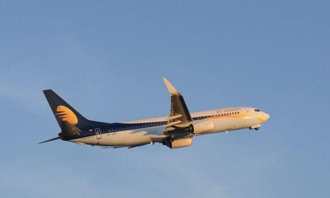 Olyan durva viharba keveredett a repülő, hogy 24 embert kórházba kellett vinni