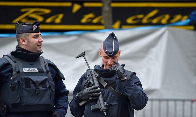 100 ezer rendőrt és csendőrt mozgósítottak Franciaországban