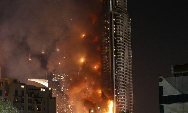 A 48. emeleti erkélyen élte túl a szálloda tüzet