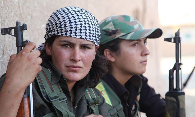 Rettegnek a nőktől az Iszlám Állam terroristái