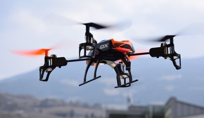 Drón vitte be a mobilt a szökni készülő rabnak a börtönbe