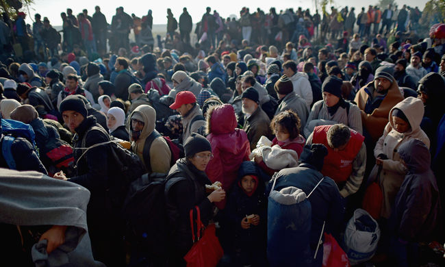1 millió migráns érkezhet 2016-ban