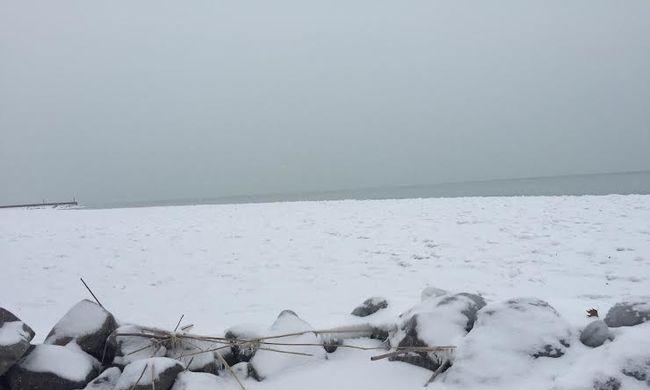 Befagytak a tavak, de tilos a jégre menni