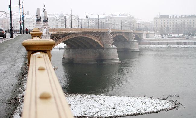 Árad a Duna, ma Esztergomnál tetőzik