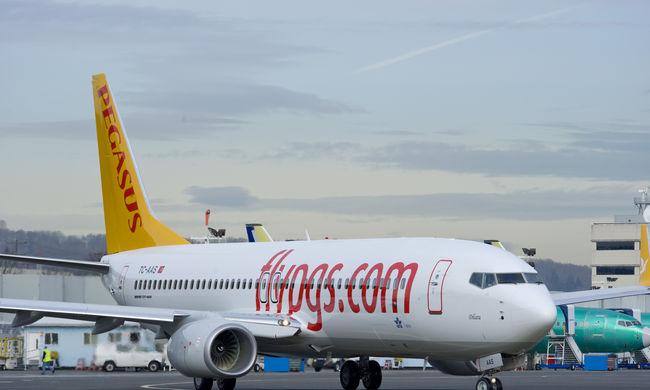 Nem kaptak vízumot a pilóták és a stewardessek sem