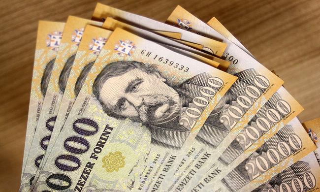 Felesége alsóneműjében tartotta a lopott milliókat a csepeli csaló