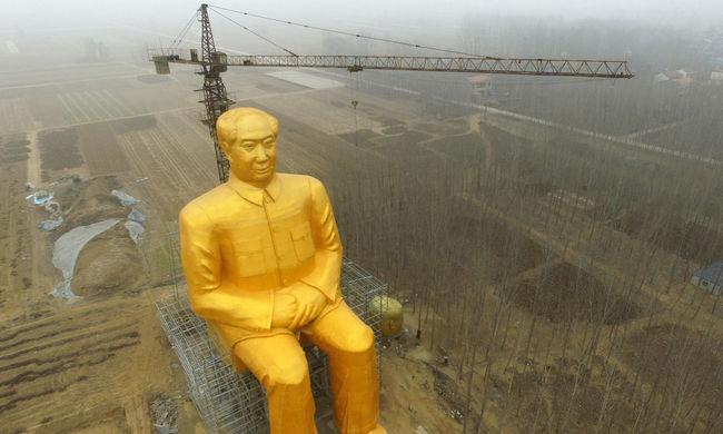 Óriási arany Maót építettek a szegény kínai tartományban