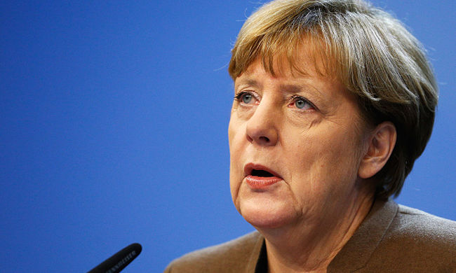 Merkel: választani kell az akcióterv és határ lezárása között