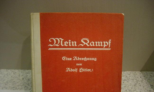 Elkapkodták Hitler betiltott könyvét