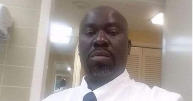 A saját házában lőtték le a nigériai vezetőt