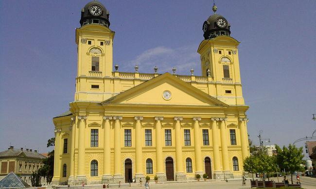 500 milliót ad az egyházaknak Debrecen