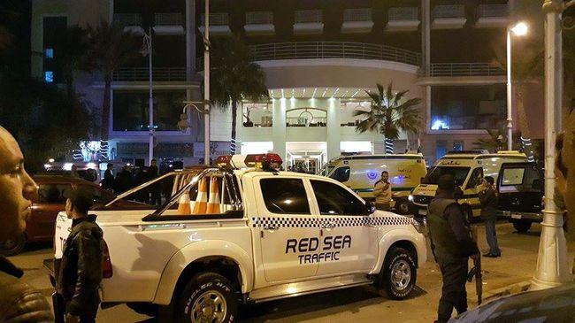 Terrortámadás: a szálloda bejáratánál támadtak a turistákra