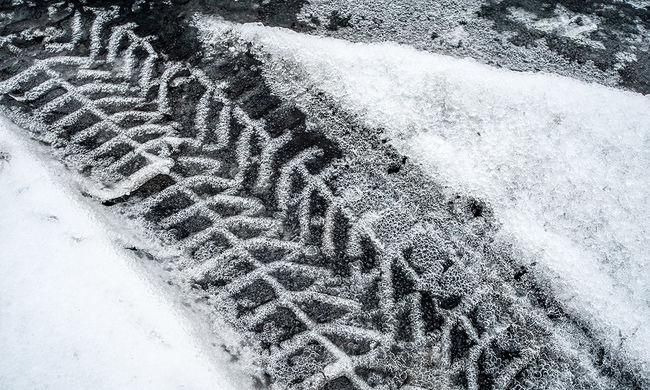 Megbénította a havazás Romániát