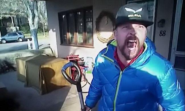 Agyonlőtte a megbilincselt embert a rendőr egy videó szerint