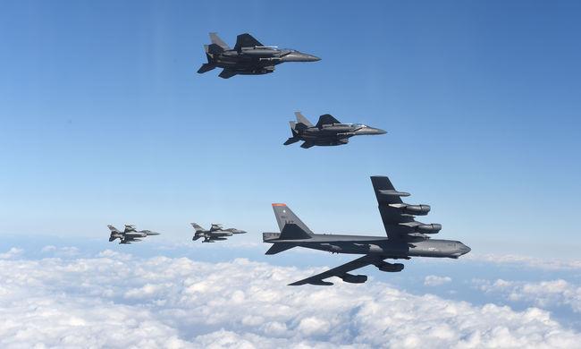 Átrepült egy amerikai bombázó Dél-Korea felett