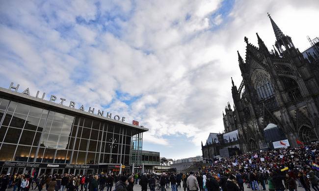Ne menjenek a nők egyedül az utcára - mondja az osztrák rendőrfőnök a kölni támadások után