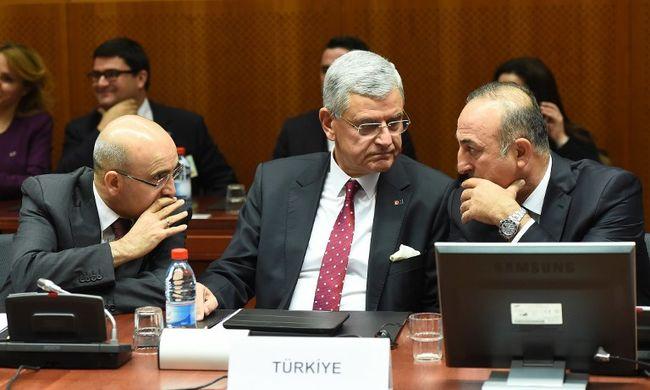 Dolgoztatnák a migránsokat Törökországban