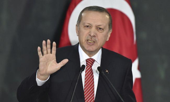 Erdogan bekeményített