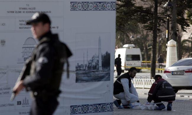 Öngyilkos merénylet Isztambul turistanegyedében: 10 halott - videók!