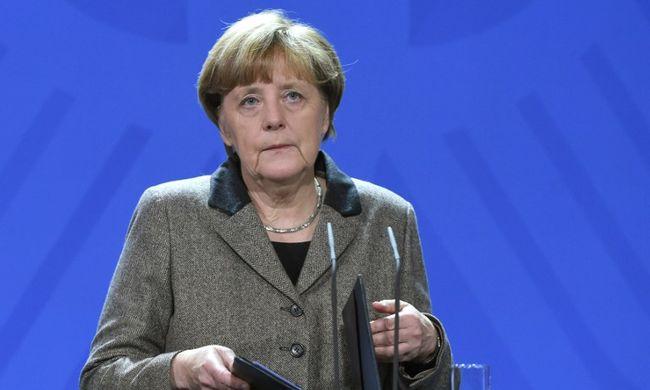 """Merkel az isztambuli merényletről: """"A terroristák minden szabad ember ellenségei"""""""
