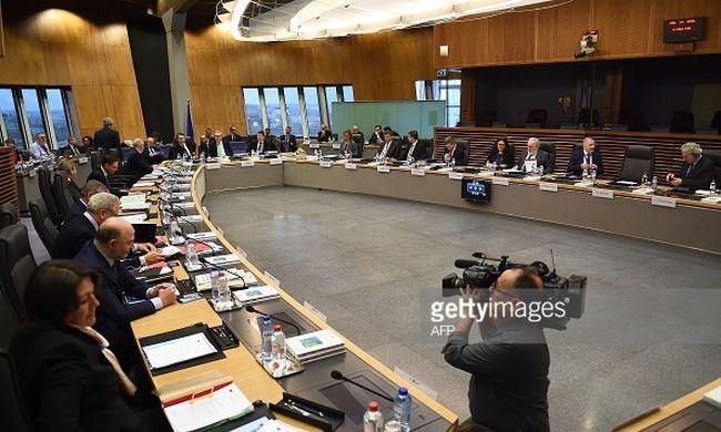 Vizsgálatot indít Lengyelország ellen az Európai Bizottság