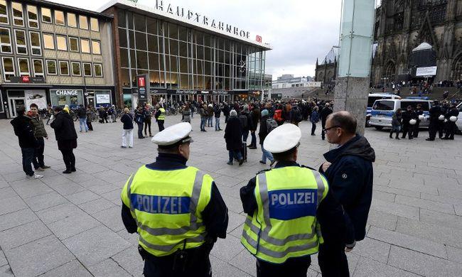 Németországi molesztálás - zaklatással gyanúsítanak egy szíriai migránst