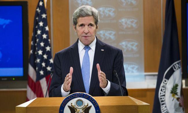 Kerry az afgán egységkormány amerikai támogatását erősíti látogatásán