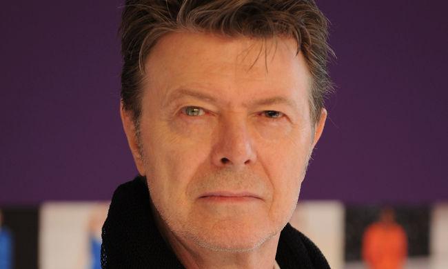 Bowie: meg kellett halnia, hogy az amerikai lemezlista csúcsára jusson