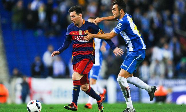 Disznófejjel akarták megdobni a Barcelona védőjét