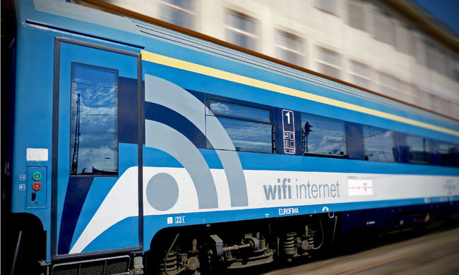 Bejelentette a MÁV: gyorsabb lesz az internet a vasúti kocsikban
