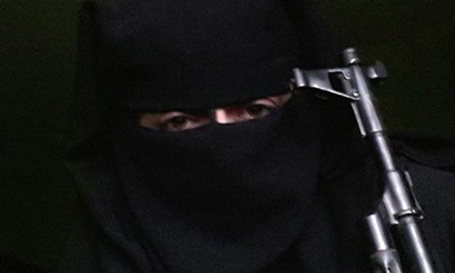 14 hónapos fiával szökött az Iszlám Államhoz, hogy terroristának nevelje a gyereket