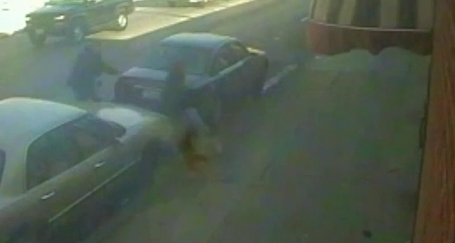Újabb videó: 17 éves fiút lőtt le egy rendőr