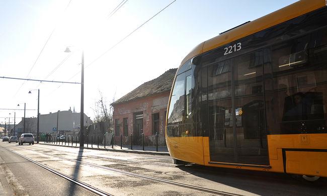 Három hétvégén pótlóbusz jár az 1-es villamos helyett