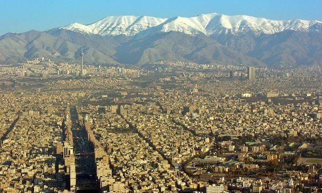 Irán reagált az új szankciókra: folytatják a rakétaprogramot