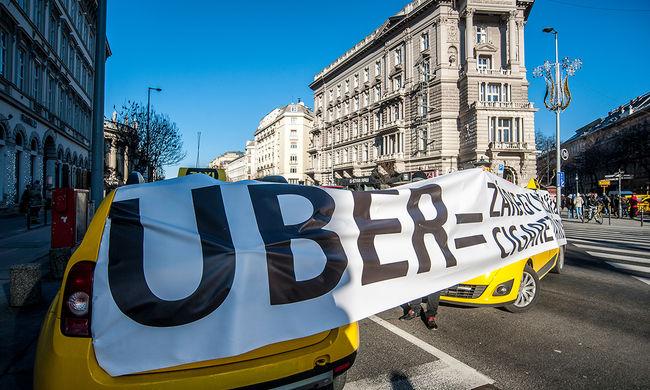 Adószám nélkül dolgozott az Uber-sofőrök többsége