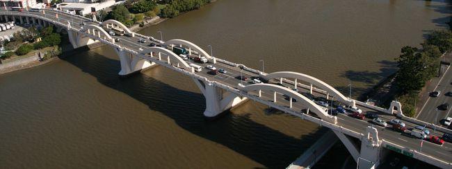 Szórakozásból ugrott le a hídról, valószínűleg meghalt