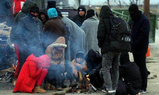 Szijjártó: a schengeni déli határ Görögország északi határára kerülhet