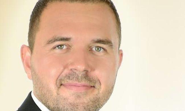 Megszólalt a jobbikos polgármester a teniszpálya ügyében