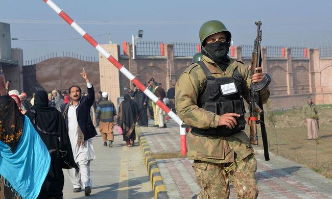 Terrortámadás egy pakisztáni egyetemen - képgaléria
