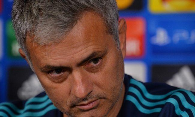 Nagy bejelentést tettek: azonnali hatállyal kirúgták Mourinhót