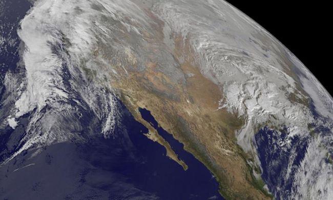Szükségállapot a történelmi hóvihar miatt