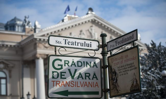 Magyar nyelvű táblák miatt perelnek Romániában