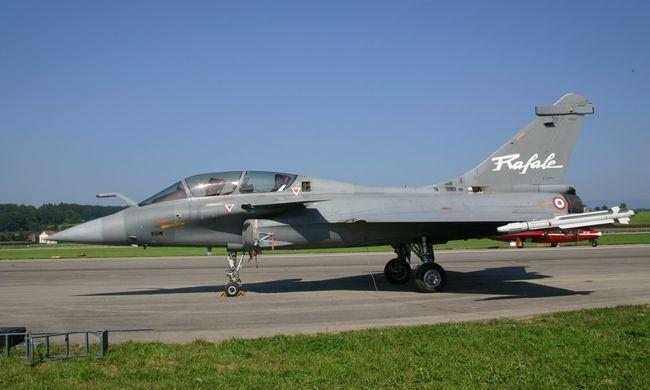 Franciaország megállapodott Indiával 36 harci repülő eladásáról