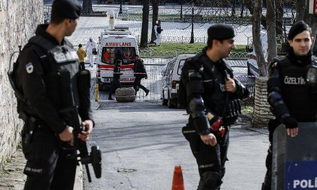 Tíz terroristát fogtak el, akik az Iszlám Államnak toboroztak