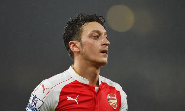 Mesut Özil szerződése is kiszivárgott