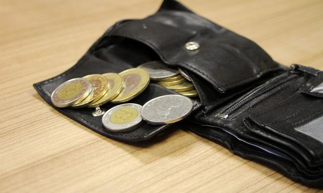 Meglepő adatok, a magyarok több mint fele készpénzzel fizet