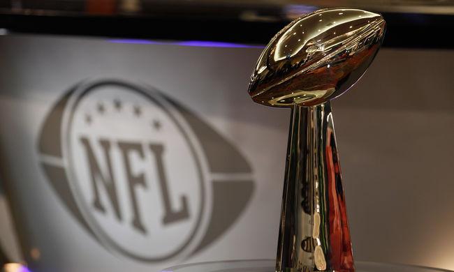NFL: pap akart lenni, végül róla nevezték el a bajnoki trófeát