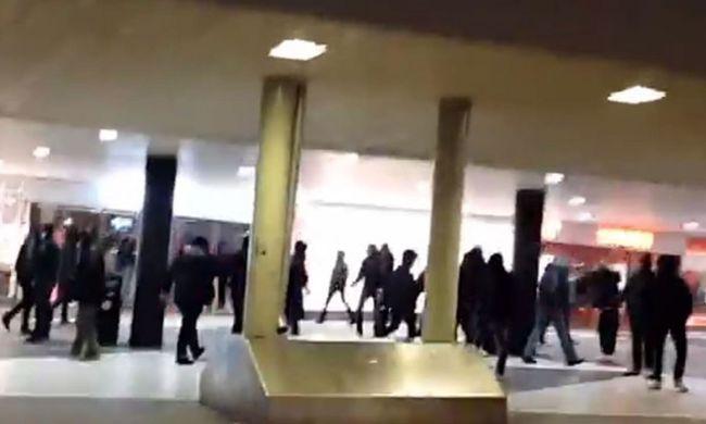 Száz maszkos férfi vert migránsokat a főpályaudvaron