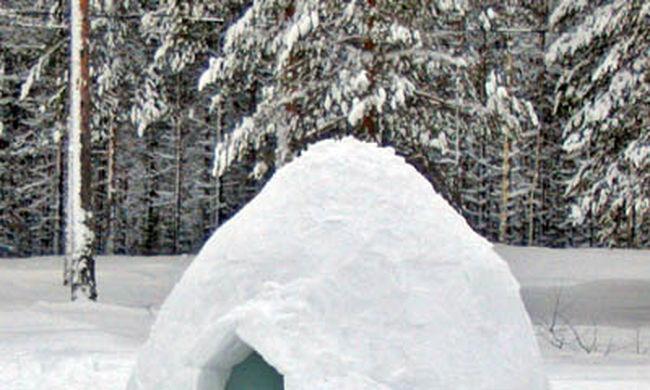 A világ legnagyobb igluját építették fel Svájcban